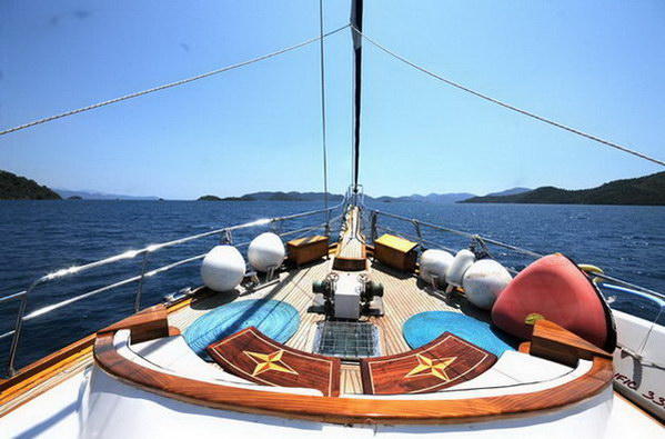 Sailing gulet boat charter